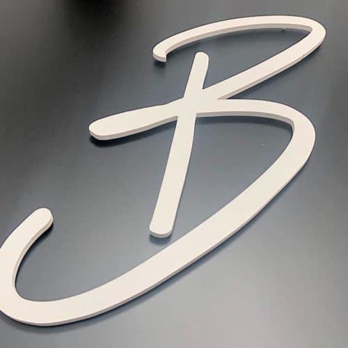 Buchstaben Konturschnitt